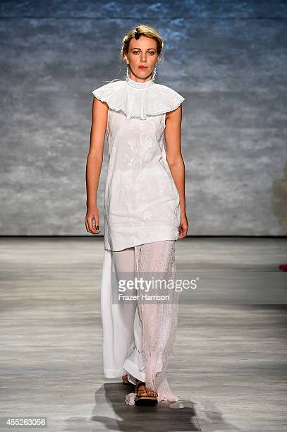 A model walks the runway at the Dorin Negrau fashion show during MercedesBenz Fashion Week Spring 2015 at The Pavilion at Lincoln Center on September...