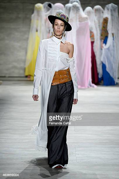 A model walks the runway at the Dorin Negrau fashion show during MercedesBenz Fashion Week Fall 2015 at The Pavilion at Lincoln Center on February 19...