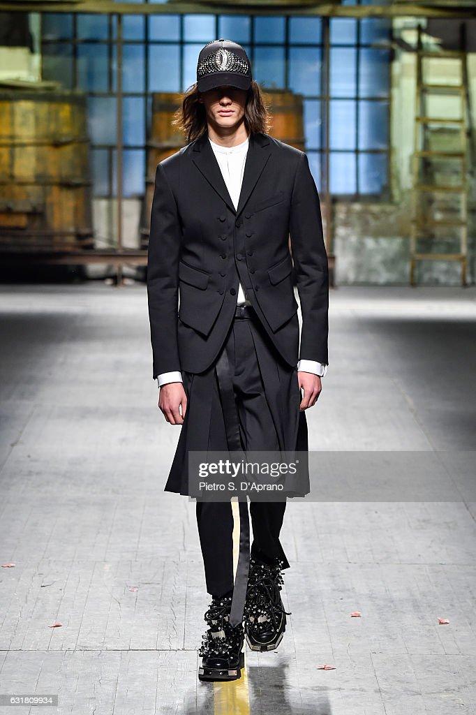 Dsquared2 - Runway - Milan Men's Fashion Week Fall/Winter 2017/18 : News Photo