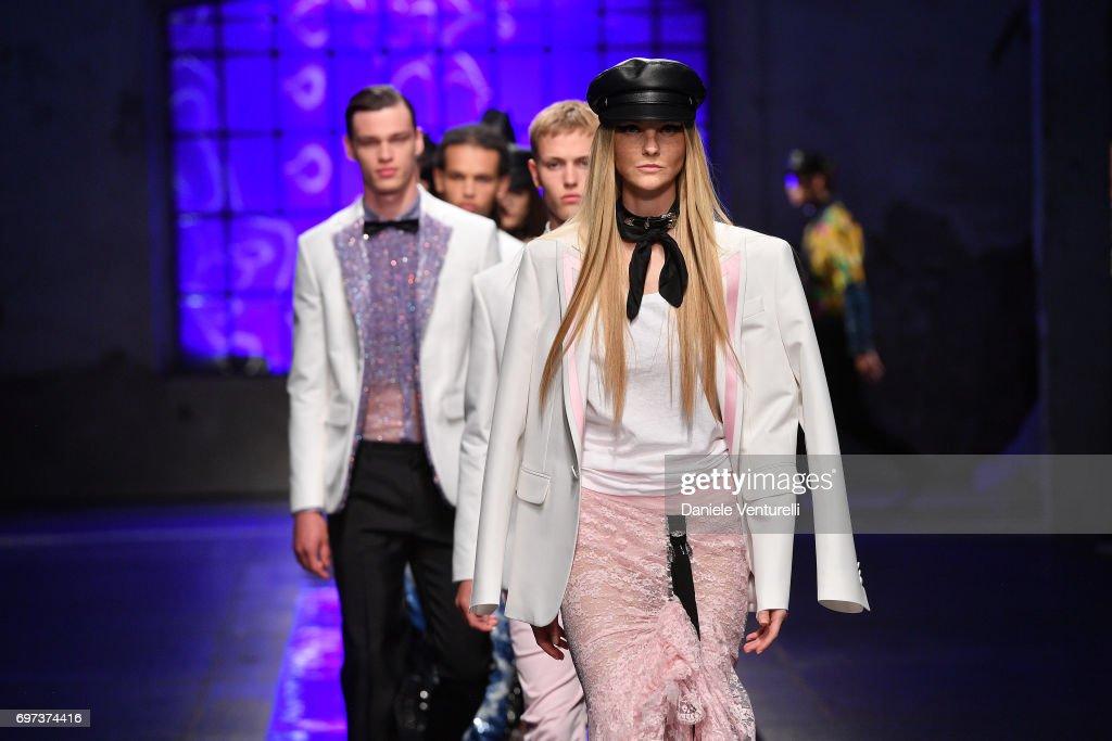 Dsquared2 - Runway - Milan Men's Fashion Week Spring/Summer 2018 : ニュース写真