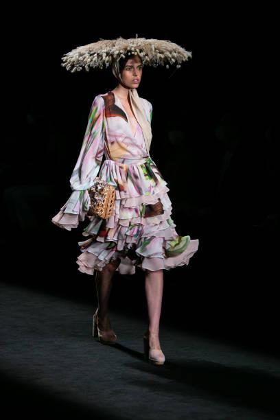 ESP: Duyos - Catwalk - Mercedes Benz Fashion Week Madrid - September 2021
