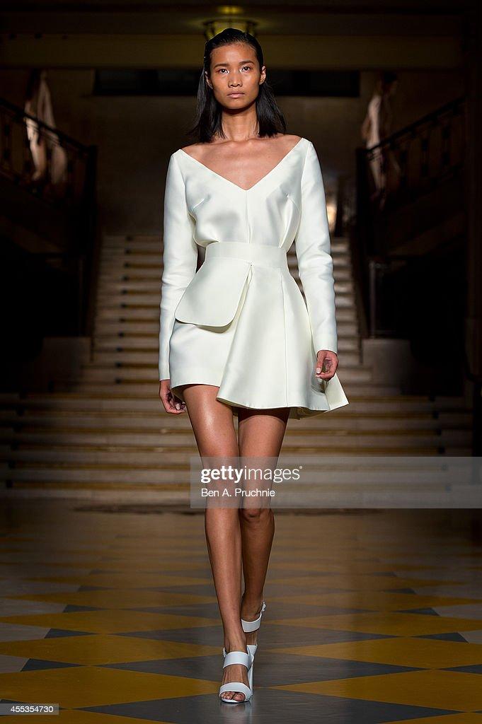 Emilia Wickstead: Runway - London Fashion Week SS15 : News Photo