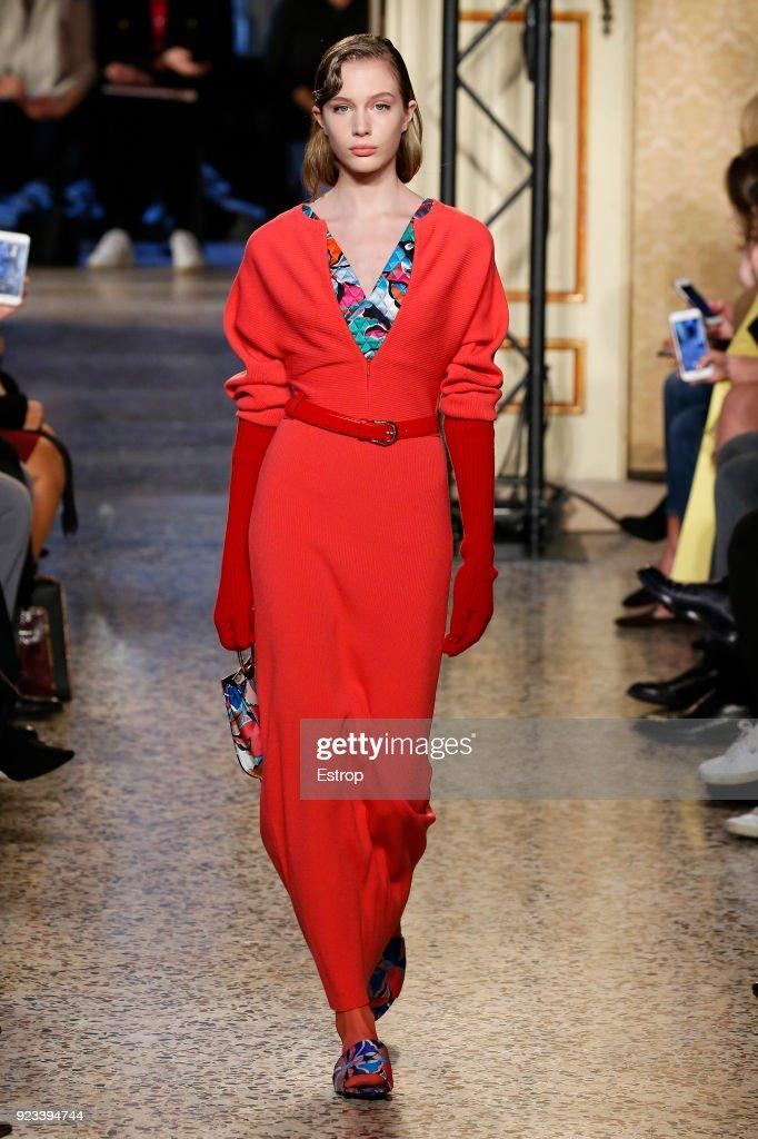 Emilio Pucci - Runway - Milan Fashion Week Fall/Winter 2018/19 : Fotografía de noticias