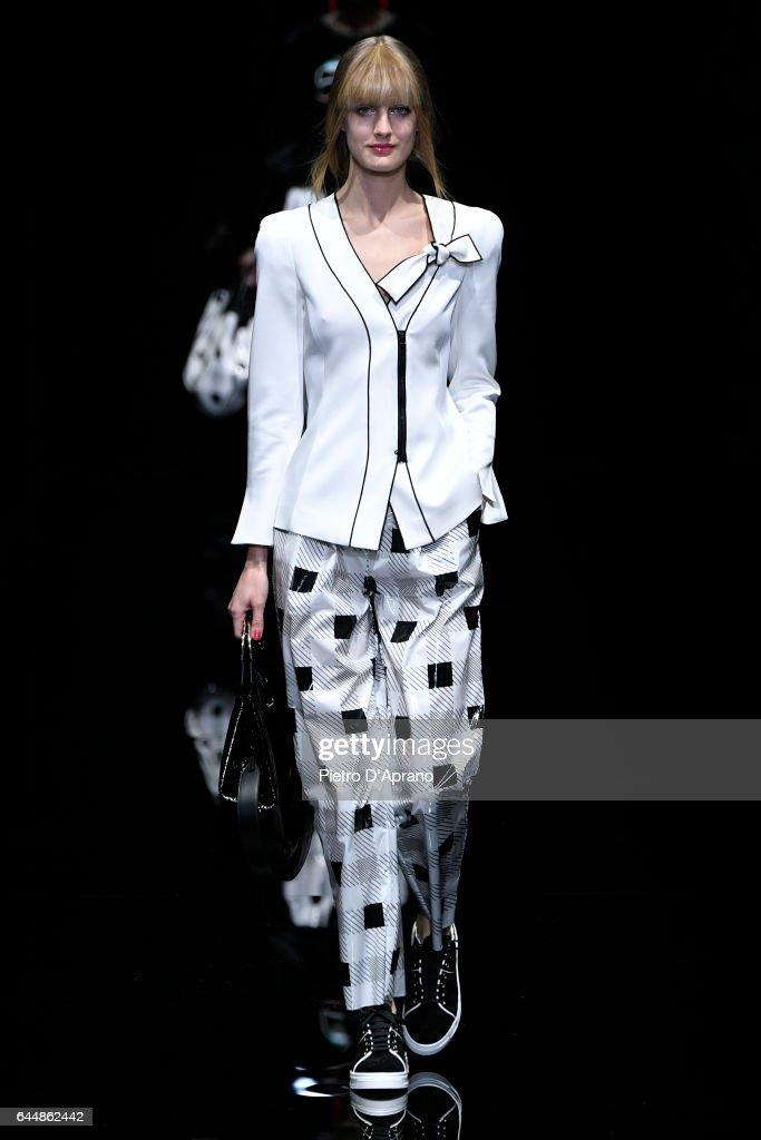 Emporio Armani - Runway - Milan Fashion Week Fall/Winter 2017/18 : News Photo