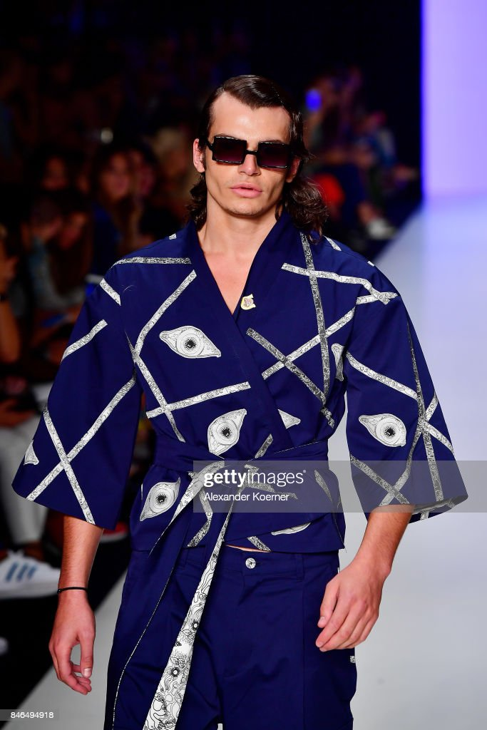 A model walks the runway at the Emre Erdemoglu show during Mercedes-Benz Istanbul Fashion Week September 2017 at Zorlu Center on September 13, 2017 in Istanbul, Turkey.