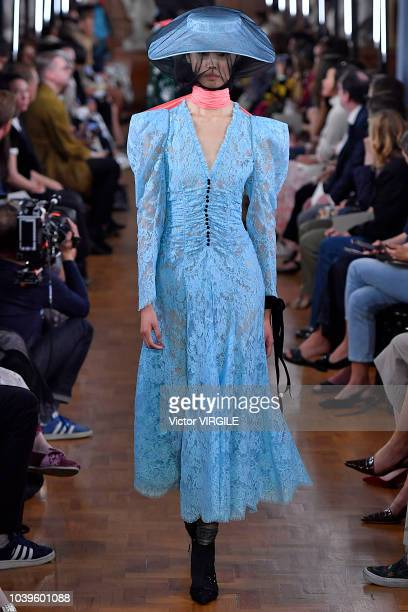 A model walks the runway at the ERDEM Ready to Wear Spring/Summer 2019 fashion show during London Fashion Week September 2018 on September 17 2018 in...