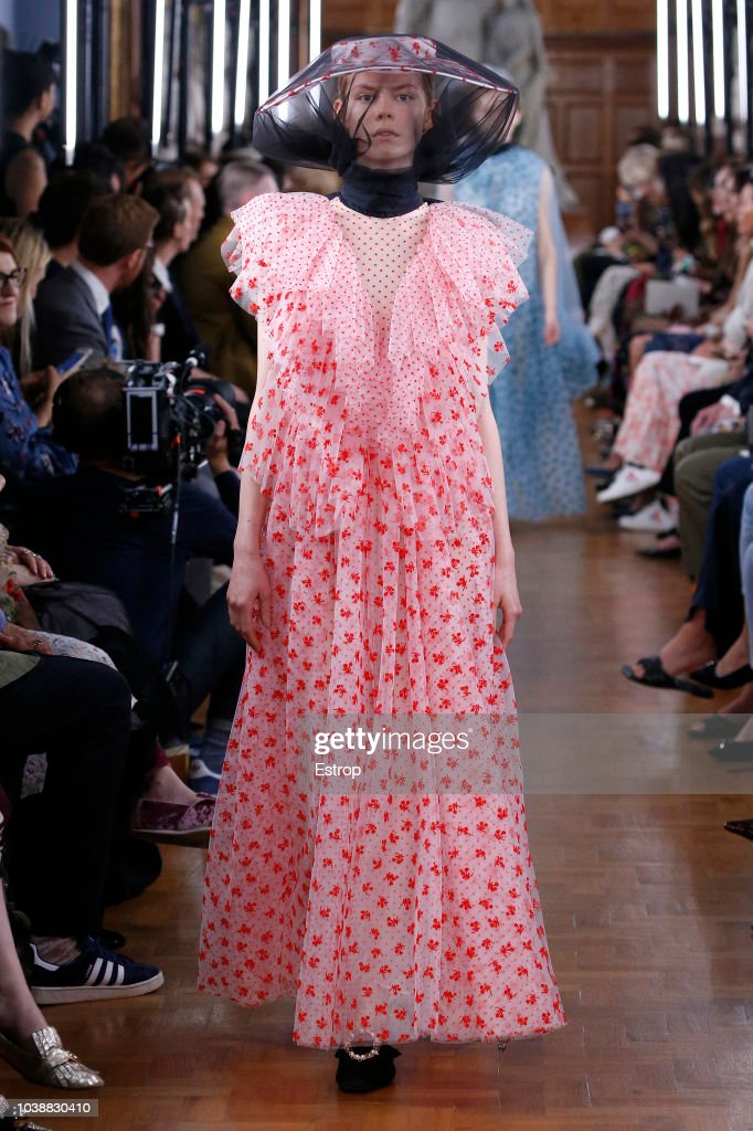 ERDEM - Runway - LFW September 2018 : ニュース写真