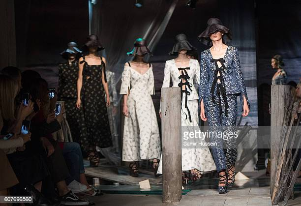 Model walks the runway at the Erdem show during London Fashion Week Spring/Summer collections 2016/2017 on September 19, 2016 in London, United...