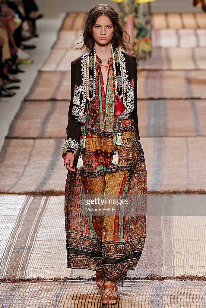 Etro - Runway - Milan Fashion Week SS17 : News Photo