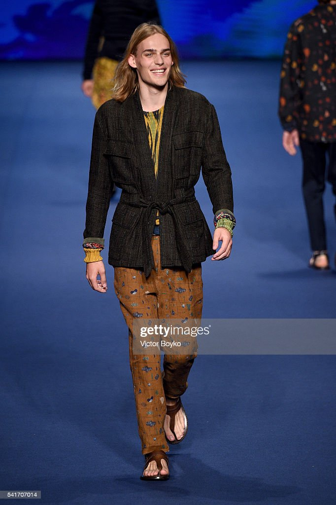 Etro - Runway - Milan Men's Fashion Week SS17 : ニュース写真