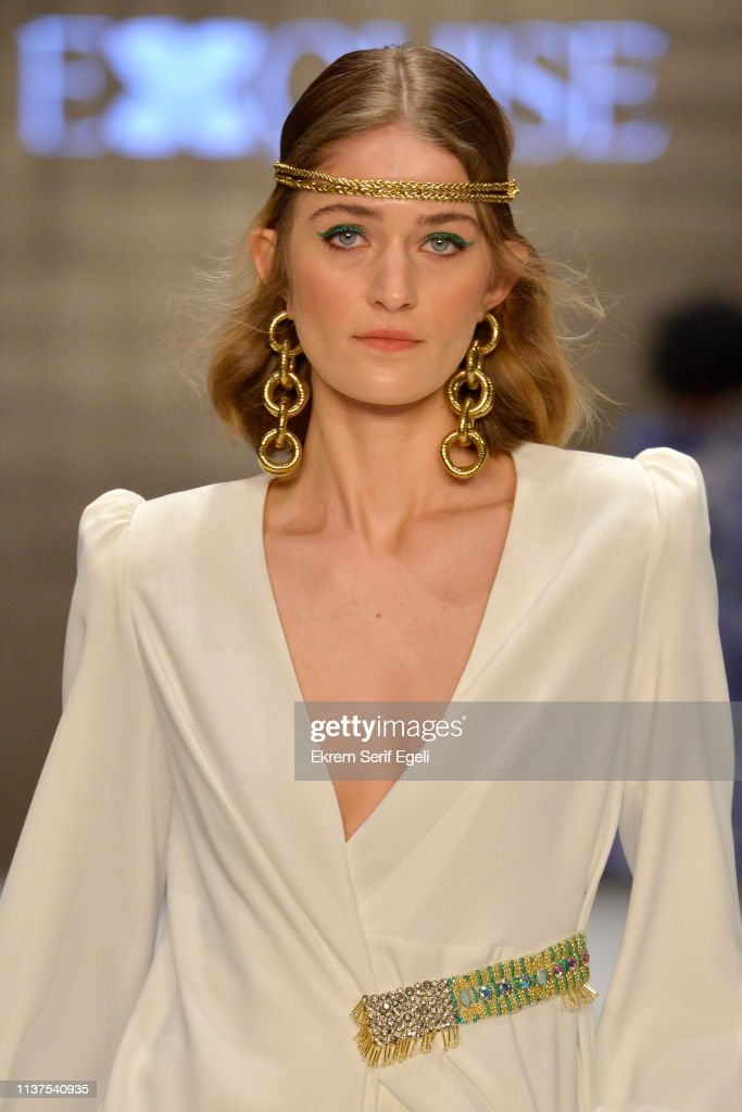 Exquise - Runway - Mercedes-Benz Fashion Week Istanbul - March 2019 : News Photo