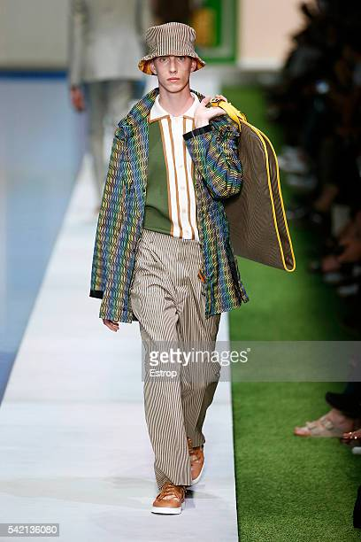 A model walks the runway at the Fendi show designed by Karl Lagerfeld Silvia Venturini Fendi during Milan Men's Fashion Week SS17 on June 20 2016 in...