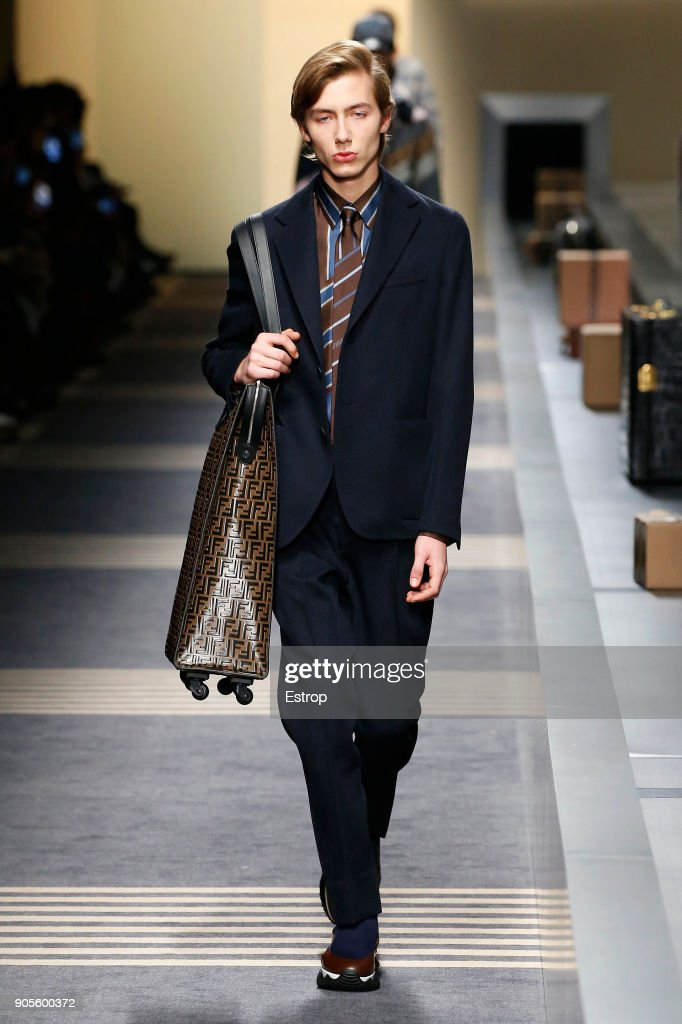 Fendi - Runway - Milan Men's Fashion Week Fall/Winter 2018/19 : ニュース写真