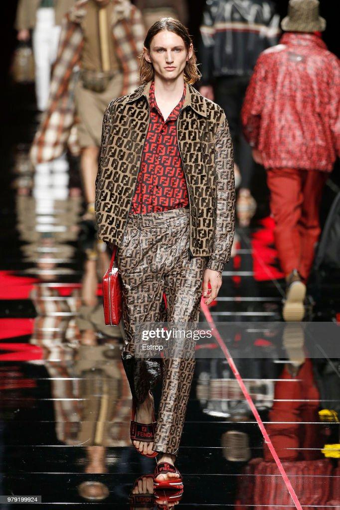 Fendi - Runway - Milan Men's Fashion Week Spring/Summer 2019 : ニュース写真