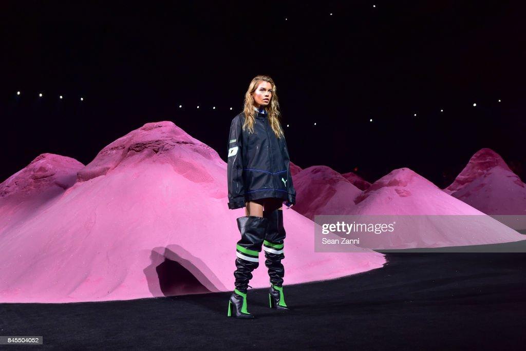 Fenty Puma By Rihanna - Runway - September 2017 - New York Fashion Week : News Photo