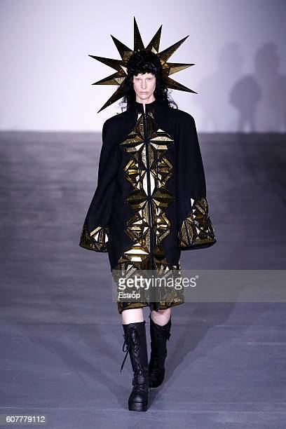 Model walks the runway at the Gareth Pugh show during London Fashion Week Spring/Summer collections 2017 on September 17, 2016 in London, United...