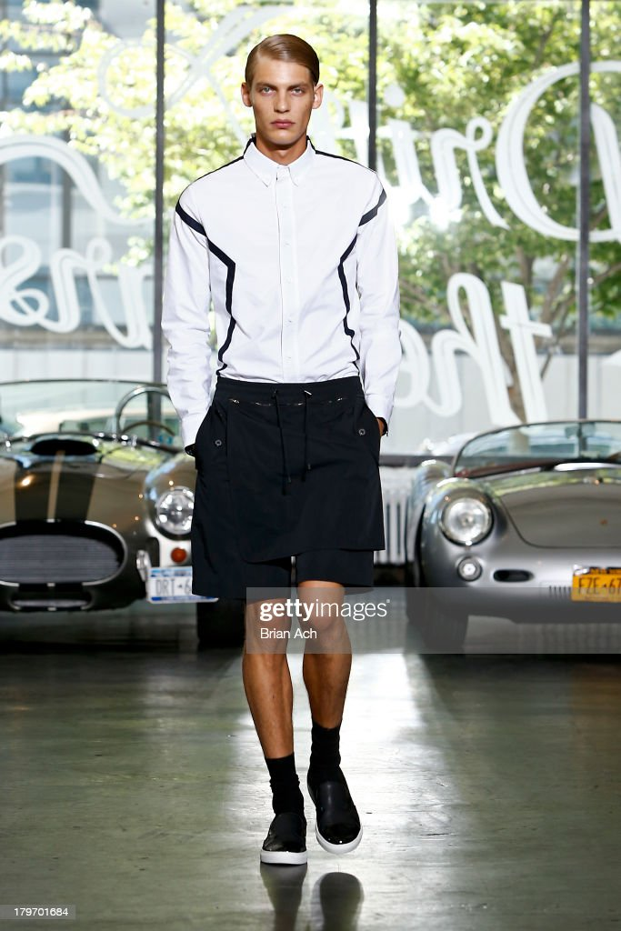General Idea - Runway - Mercedes-Benz Fashion Week Spring 2014 : News Photo