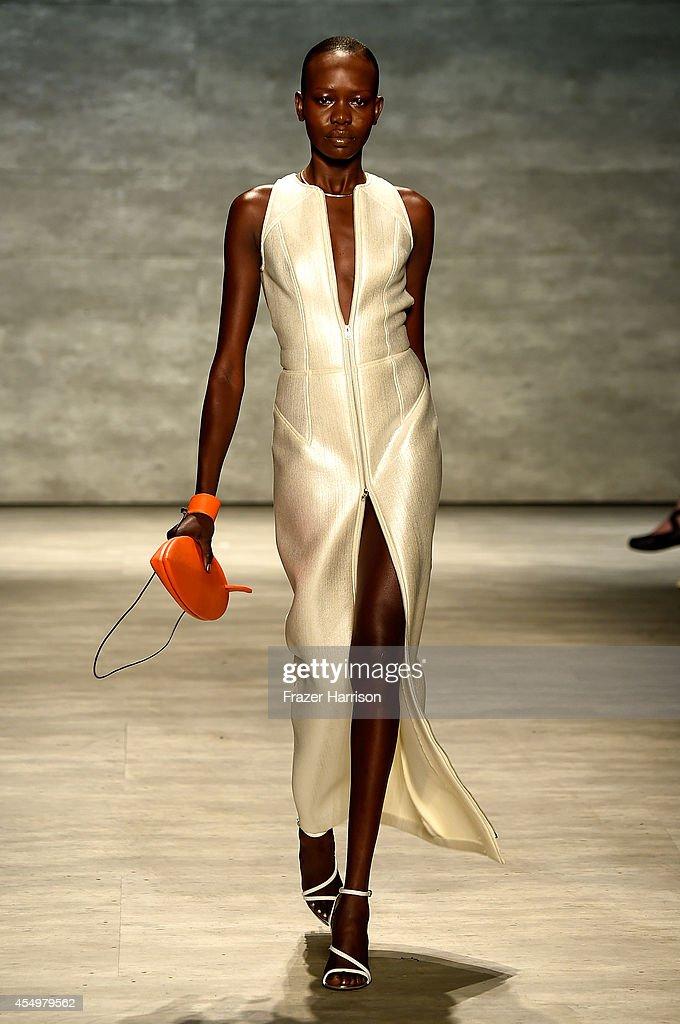 Georgine - Runway - Mercedes-Benz Fashion Week Spring 2015 : News Photo