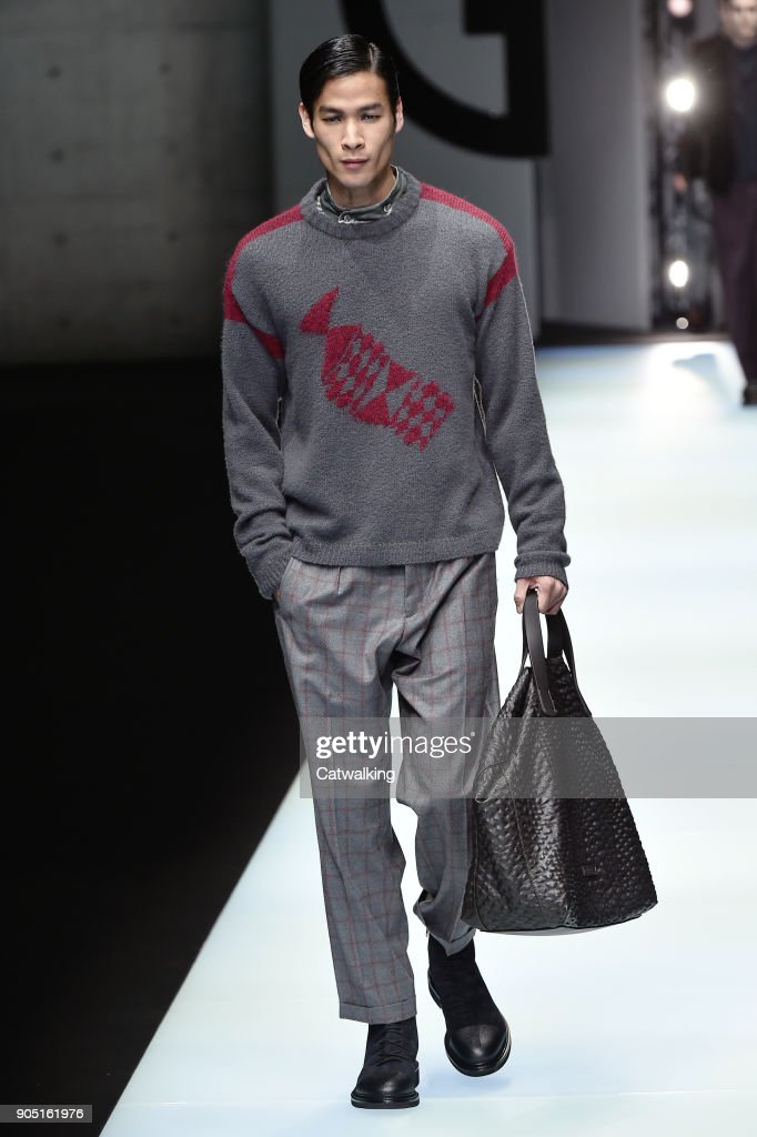 Giorgio Armani - Mens Fall 2018 Runway - Milan Menswear Fashion Week