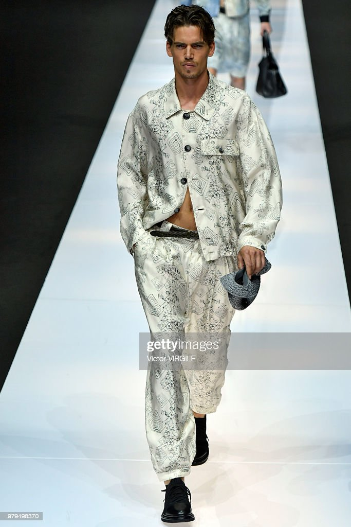 Giorgio Armani - Runway - Milan Men's Fashion Week Spring/Summer 2019 : News Photo