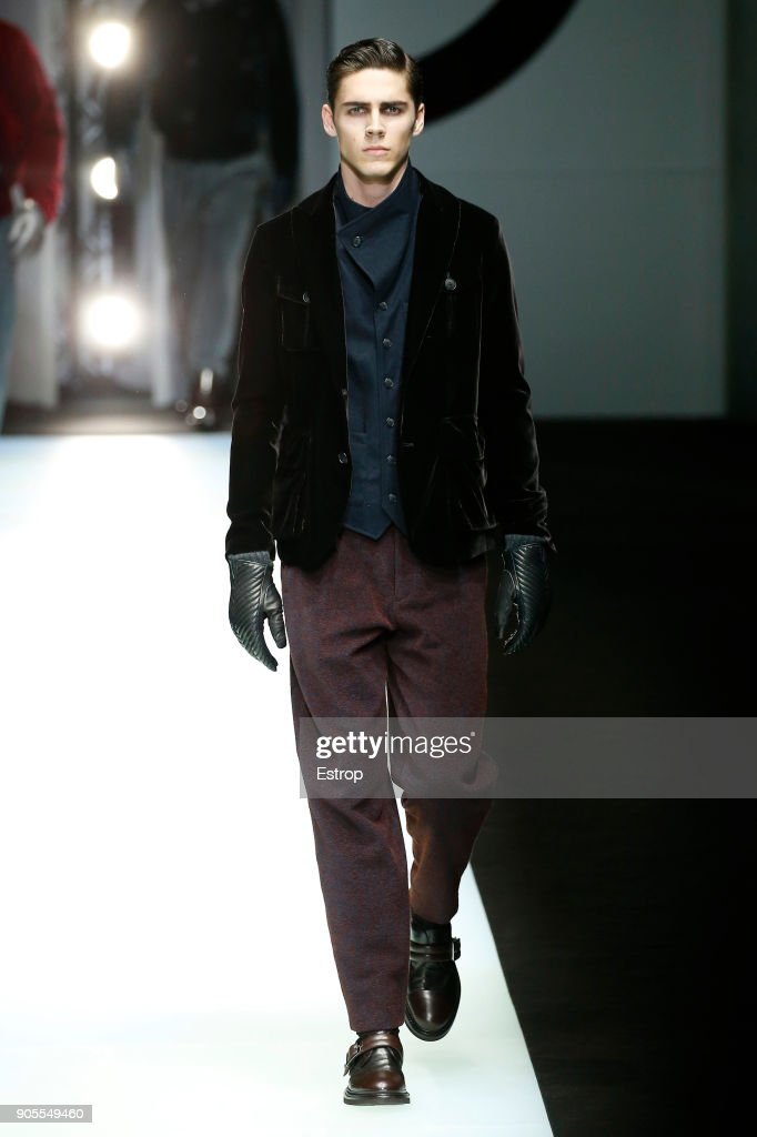 Giorgio Armani - Runway - Milan Men's Fashion Week Fall/Winter 2018/19 : News Photo