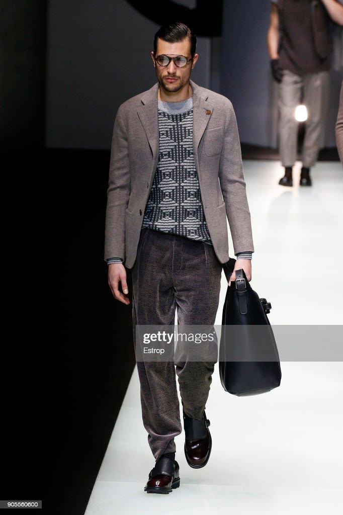 Giorgio Armani - Runway - Milan Men's Fashion Week Fall/Winter 2018/19 : Fotografía de noticias