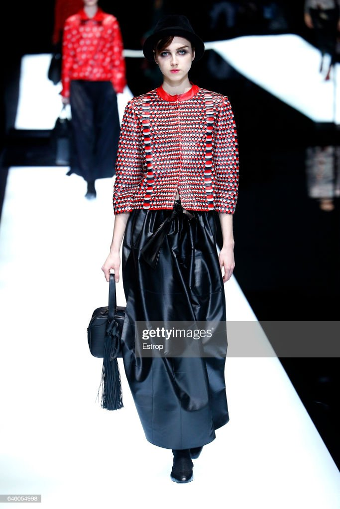 Giorgio Armani - Runway - Milan Fashion Week Fall/Winter 2017/18 : ニュース写真