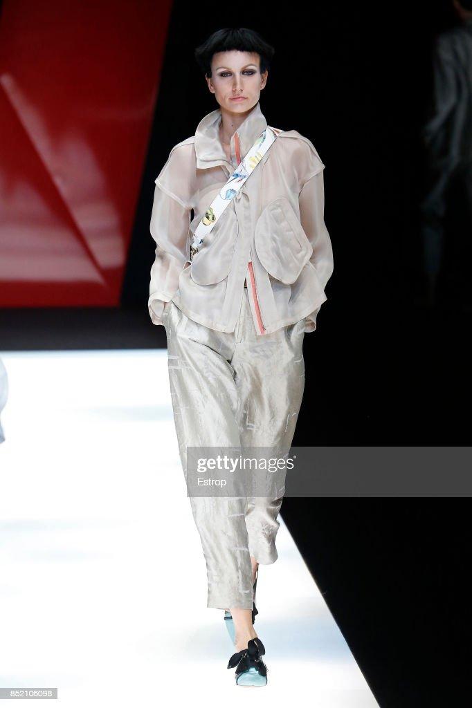 Giorgio Armani - Runway - Milan Fashion Week Spring/Summer 2018 : ニュース写真