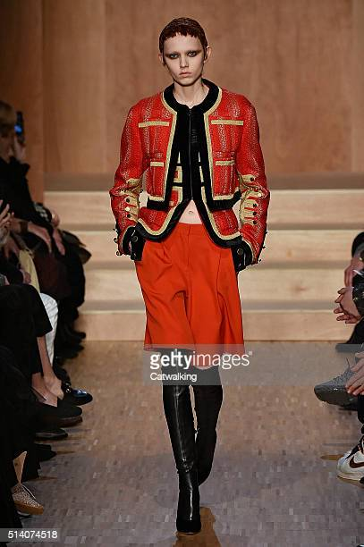 A model walks the runway at the Givenchy Autumn Winter 2016 fashion show during Paris Fashion Week on March 6 2016 in Paris France