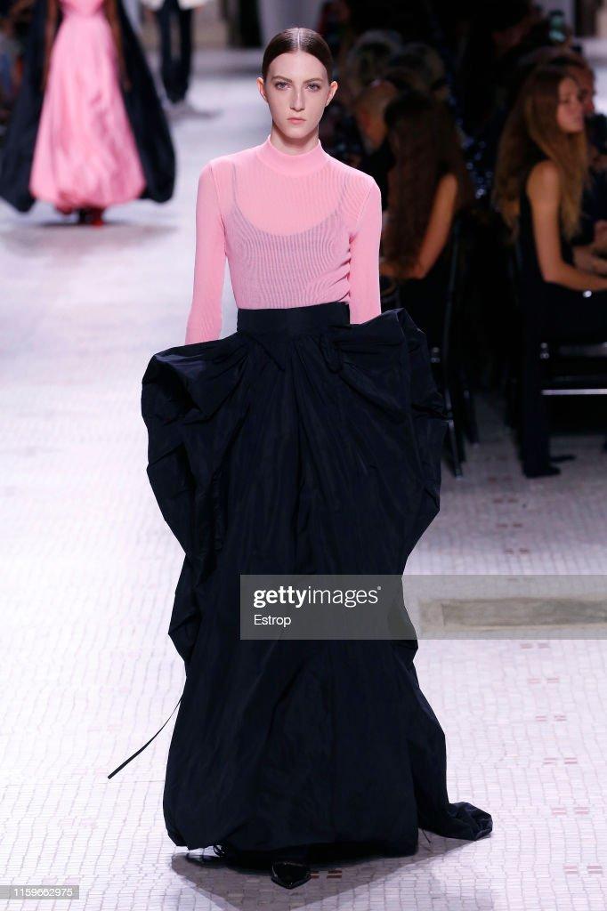 Givenchy : Runway - Paris Fashion Week - Haute Couture Fall/Winter 2019/2020 : Photo d'actualité