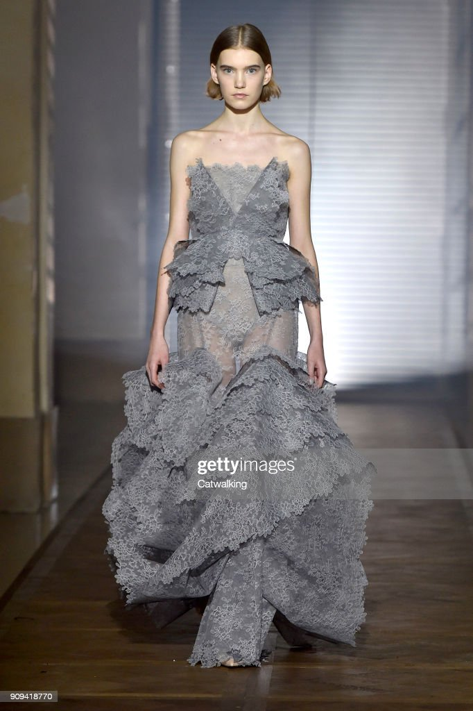 Givenchy - Spring Summer 2018 Runway - Paris Haute Couture Fashion Week