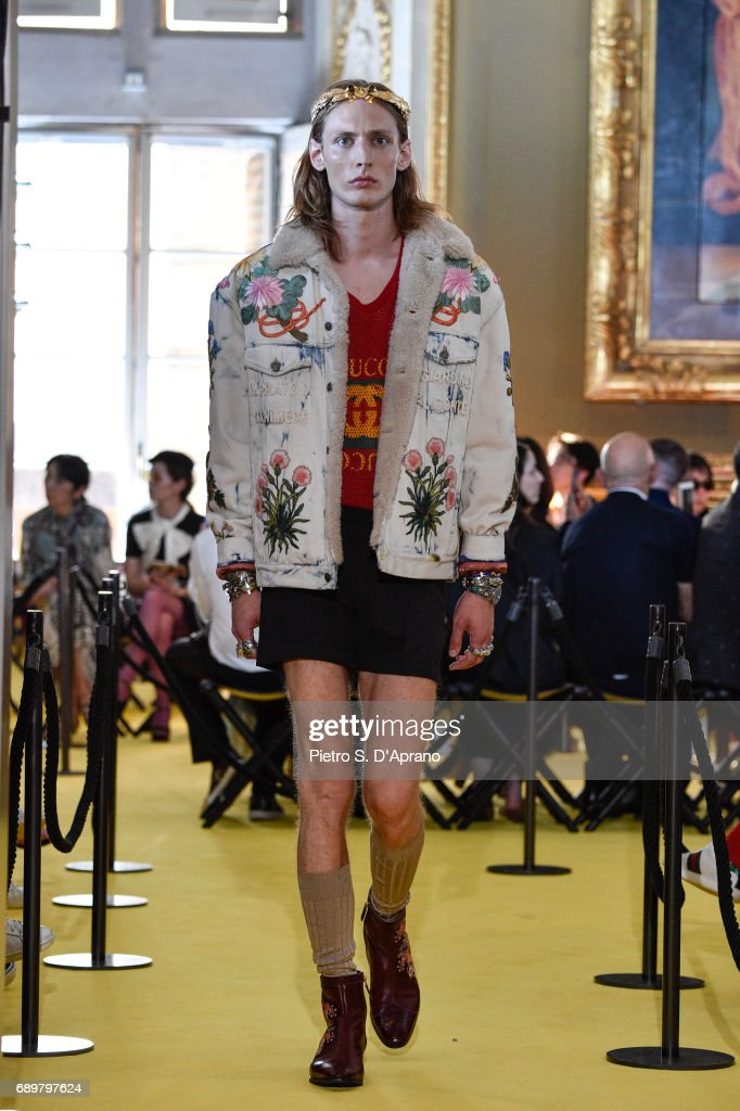 Gucci Cruise 2018 - Runway : News Photo