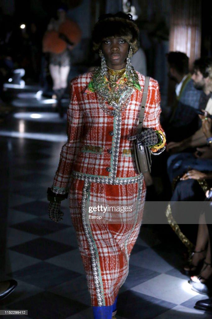 Gucci Cruise 2020 - Fashion Show in Rome : ニュース写真