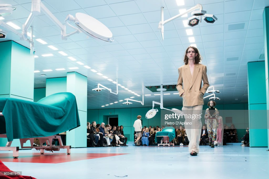 Gucci - Runway - Milan Fashion Week Fall/Winter 2018/19 : Fotografía de noticias