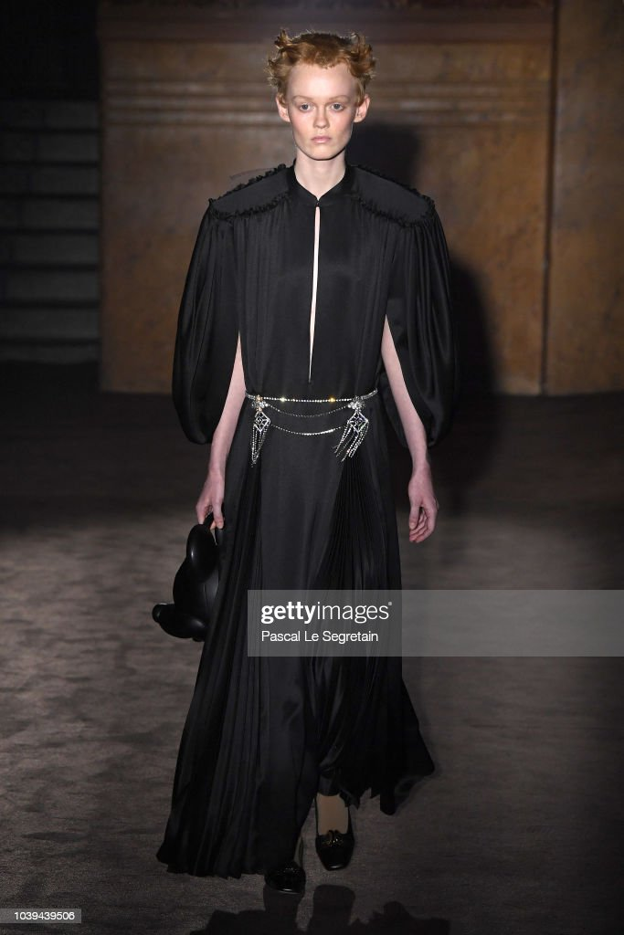 model-walks-the-runway-at-the-gucci-show-during-paris-fashion-week-picture-id1039439506