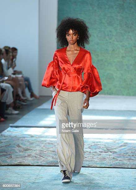 A model walks the runway at the Hellessy fashion show during New York Fashion Week September 2016 at Pier 59 Studios on September 8 2016 in New York...