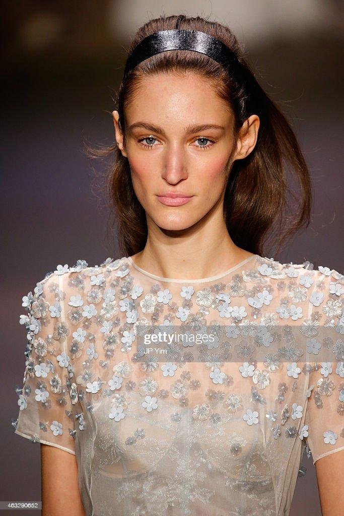 Honor - Runway - Mercedes-Benz Fashion Week Fall 2015 : Nachrichtenfoto