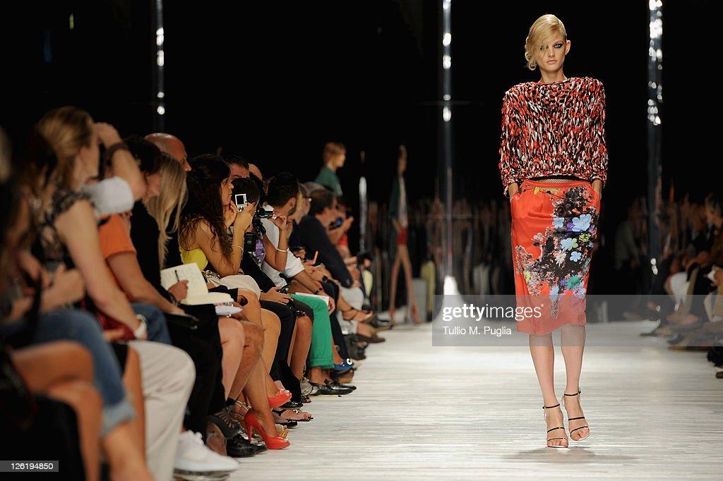 Iceberg - Milan Fashion Week Womenswear Spring/Summer 2012 : News Photo