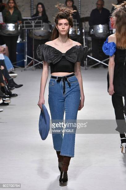 A model walks the runway at the Isa Arfen Ready to Wear Fall/Winter 20182019 fashion show during London Fashion Week February 2018 on February 20...