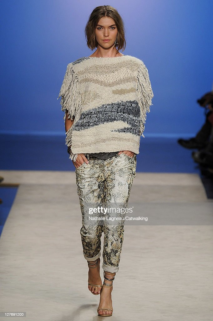 eb4fc118c2d Isabel Marant - Runway RTW - Spring 2012 - Paris Fashion Week : News Photo