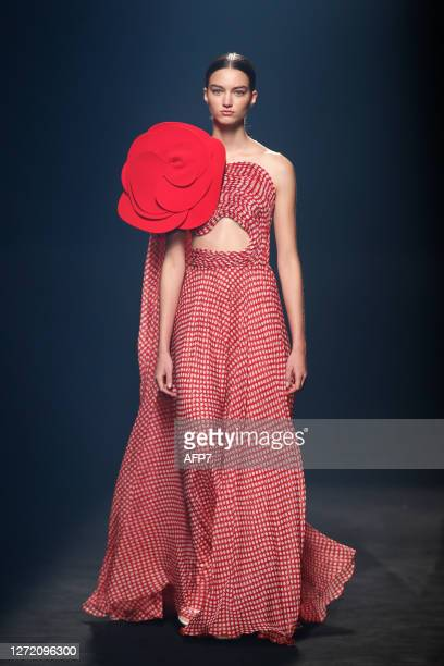 Model walks the runway at the Isabel Sanchis fashion show during Mercedes Benz Fashion Week Madrid Spring/Summer 2021 at Ifema on September 12, 2020...