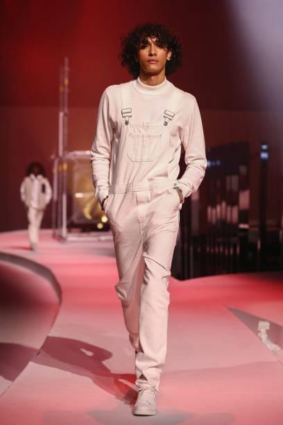 DEU: Jack & Jones - ABOUT YOU Fashion Week Autumn/Winter 21