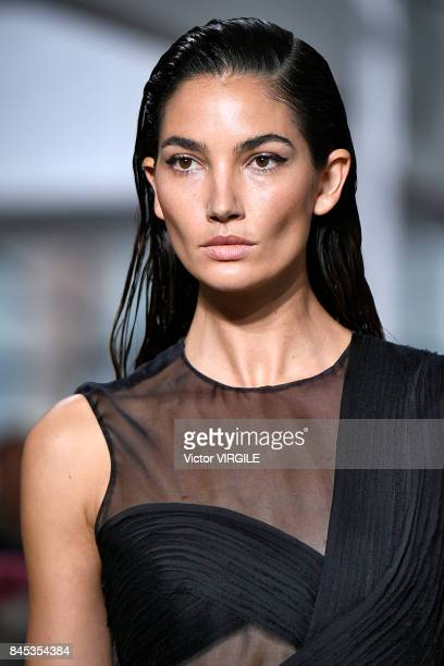 A model walks the runway at the Jason Wu Ready to Wear Spring/Summer 2018 fashion show during the New York Fashion Week on September 8 2017 in New...