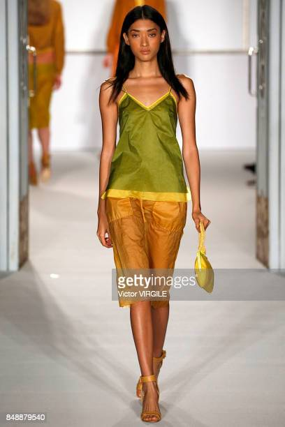 A model walks the runway at the Jasper Conran Ready to Wear Spring/Summer 2018 fashion show during London Fashion Week September 2017 on September 16...