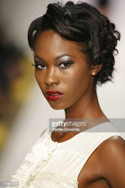 A model walks the runway at the Jenny Han Spring 2008 fashion show during Mercedes Benz Fashion Week held at Smashbox Studios on October 16 2007 in...