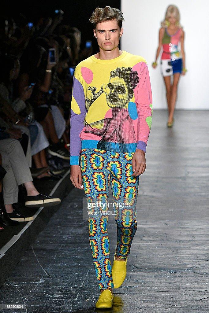Jeremy Scott - Runway - Spring 2016 New York Fashion Week : News Photo