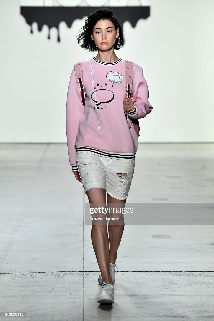 Jia Liu - Runway - September 2017 - New York Fashion Week: The Shows : News Photo