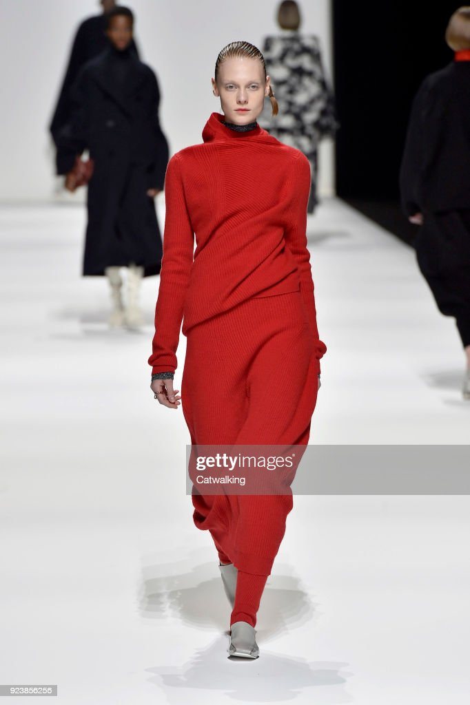 Jil Sander - Runway RTW - Fall 2018 - Milan Fashion Week