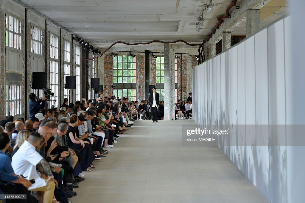 Jil Sander : Runway - Paris Fashion Week - Menswear Spring/Summer 2020 : ニュース写真