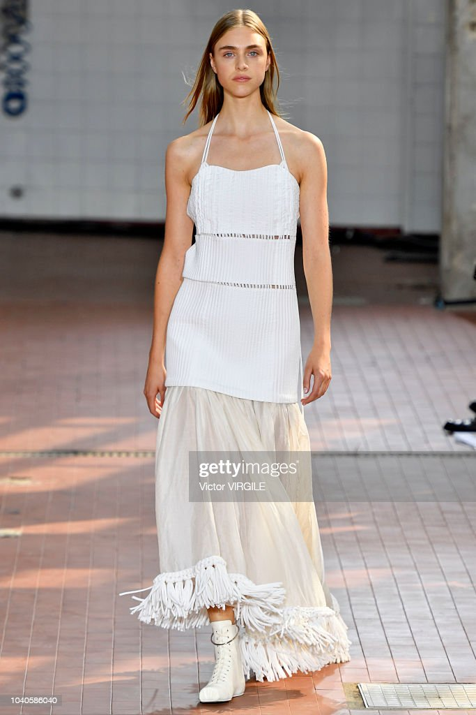 model-walks-the-runway-at-the-jil-sander-ready-to-wear-fashion-show-picture-id1040586040